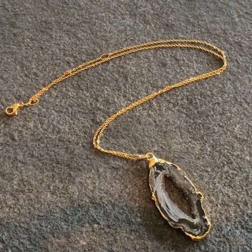 Medium Agate Geode Pendant in Gold